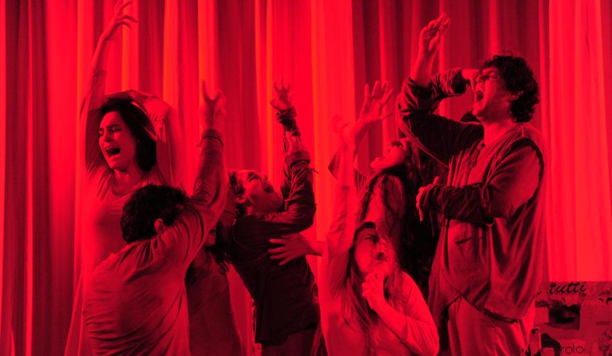 Rappresentazione della sofferenza, scena dello spettacolo